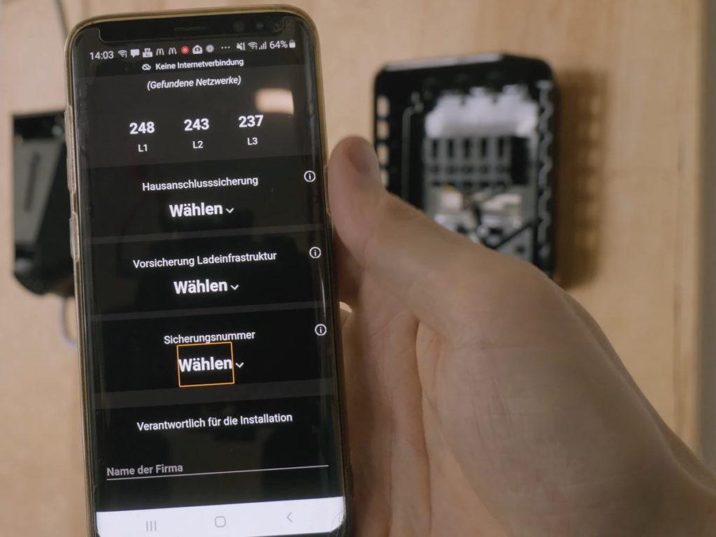 Webanwendung zur Konfiguration der Wallbox Easee Home auf Smartphone